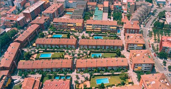Fabricació i instal·lació de tancaments en habitatges unifamiliars de Sant Feliu de Llobregat