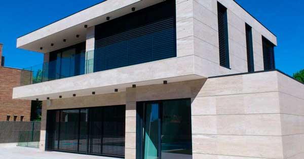 Fachada Y Cerramientos En Aluminio Y Vidrio