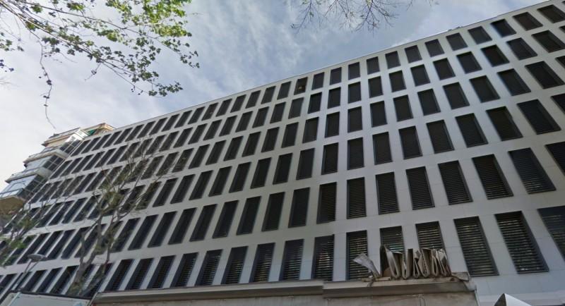 Barcelone Récupère L'édifice Calabria 66 Pour Usage Citadins