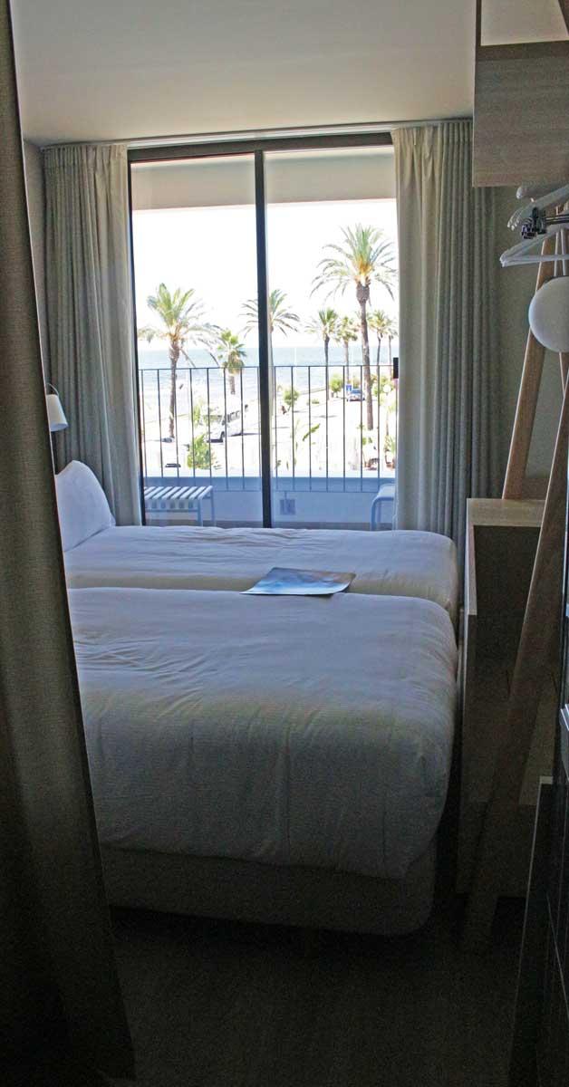 Cerramientos Para Rehabilitación De Hotel En Sitges