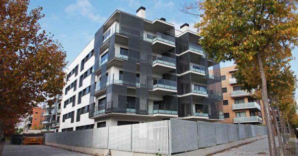 Glazed Aluminium Enclosures In The Residential Development In Ant Cugat Del Vallès