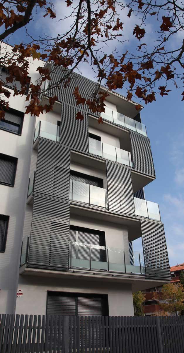Cerramientos De Aluminio Y Vidrio En Promoción Residencial En Sant Cugat Del Vallès