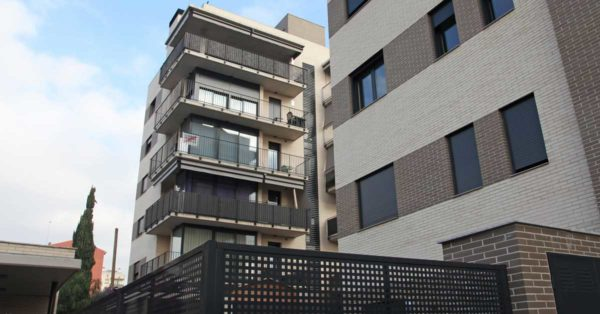 Aluminium And Glass Enclosures For The Residential Development In Ripollet