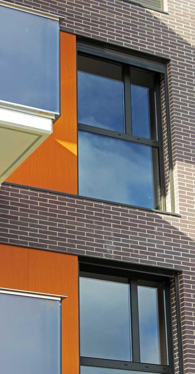 Tancaments D'alumini I Vidre Per A Edifici Residencial A Sant Feliu De Llobregat