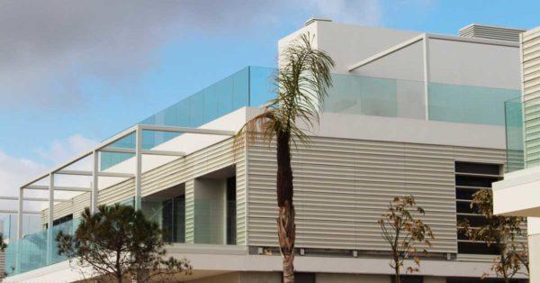 Cerramientos De Aluminio Y Vidrio Para 12 Casas Unifamiliares En Gavà