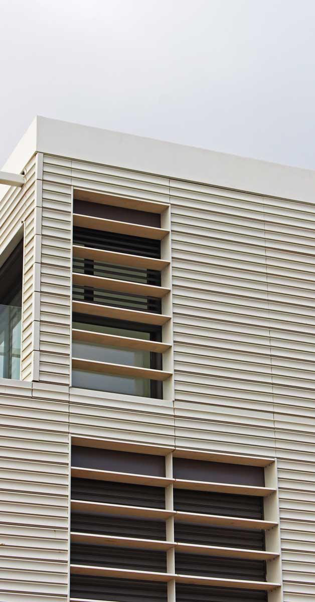 Tancaments D'alumini I Vidre Per A 12 Cases Unifamiliars A Gavà