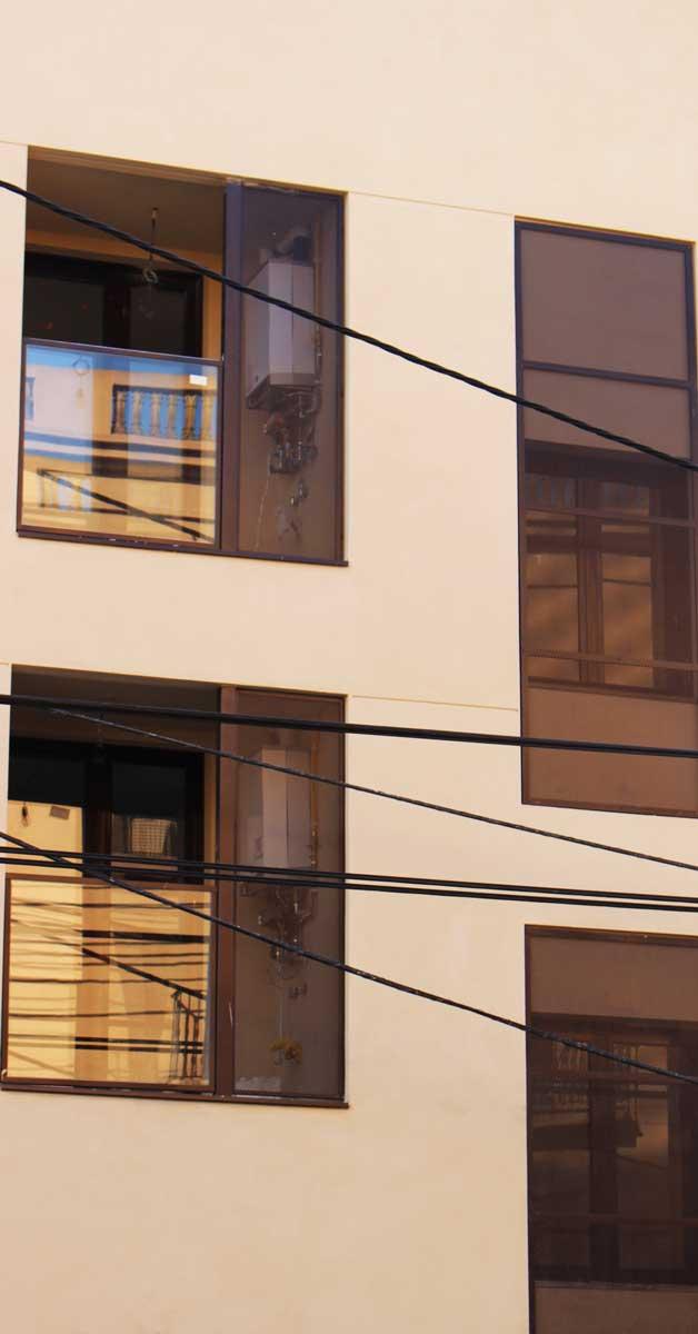 Tancaments D'alumini I Vidre Per A 24 Habitatges De Sant Feliu De Llobregat