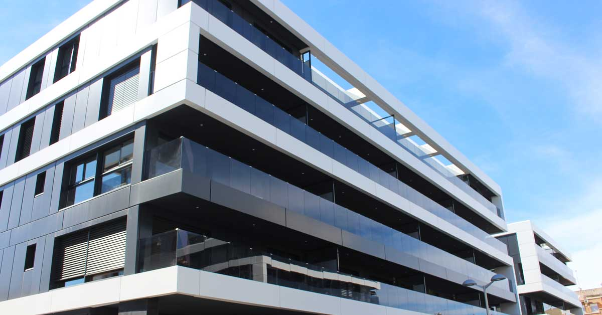 Aluminium and glass enclosures for the residential complex