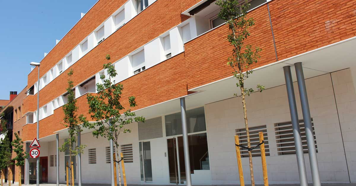 Enclosures for residential building in Granollers