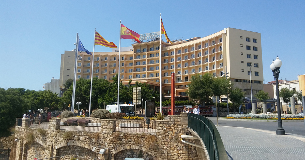 Nuevos cerramientos para el proceso de rehabilitación de este emblemático hotel del centro de Tarragona