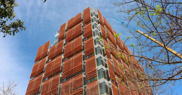 Development Of Façade Cladding, Aluminum And Glass Enclosures In A Residential Building In Barcelona.