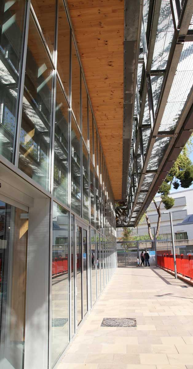 Desenvolupament De Façana I Tancaments Metàl·lics Per A Aquest Nou Equipament Esportiu De Barcelona, Que Incorpora Nombrosos Elements Que Afavoreixen La Seva Eficiència Energètica
