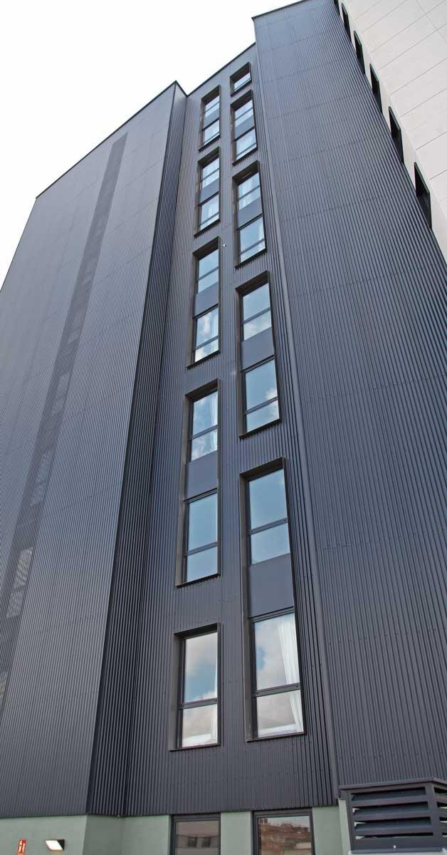 Tancaments D'alumini I Vidrieria Per A Edifici Destinat A Residència D'estudiants A Barcelona