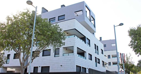 Aluminum And Glass Enclosures Of High Technical Features For Residential Complexes In Sant Cugat Del Vallès (Barcelona)