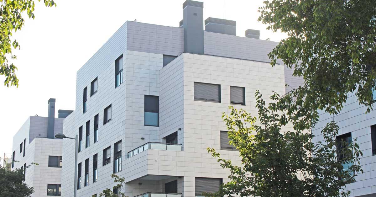 Cerramientos De Aluminio Y Vidrio De Altas Prestaciones Técnicas Para Conjunto Residencial En Sant Cugat Del Vallès