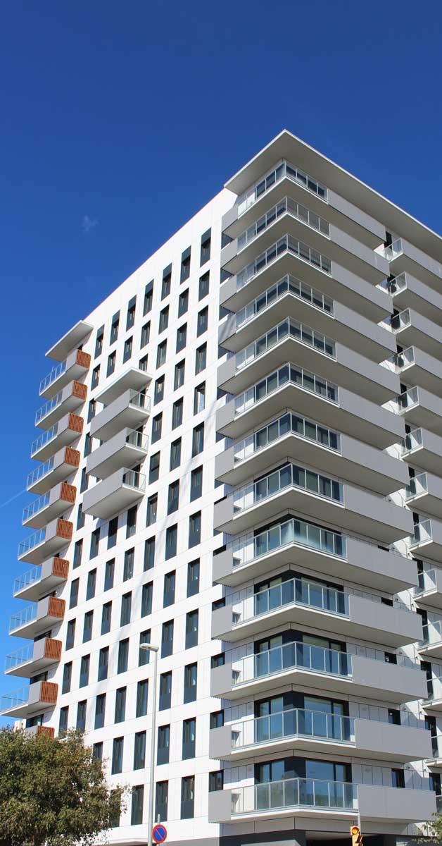 Desenvolupament De Façana I Tancaments D'alumini Per A Torre De 55 Habitatges De Nova Construcció A L'Hospitalet De Llobregat.