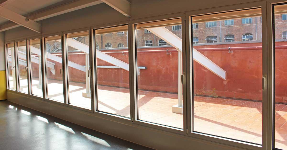 Rehabilitación De Antiguo Edificio Industrial Para Transformarlo En Un Nuevo Equipamiento Educativo En El Conjunto De La Antigua Fábrica Fabra I Coats Del Barrio De Sant Andreu De Barcelona.
